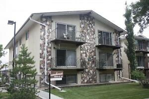 The Townhouse - 1 Bedroom Apartment for Rent Camrose