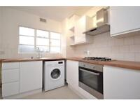 2 bedroom flat in Whitehall Lodge, Pages Lane, London, N10