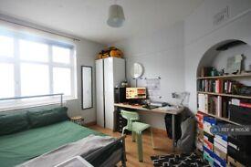 1 bedroom in Denmark Road, Kingston Upon Thames, KT1 (#1110536)