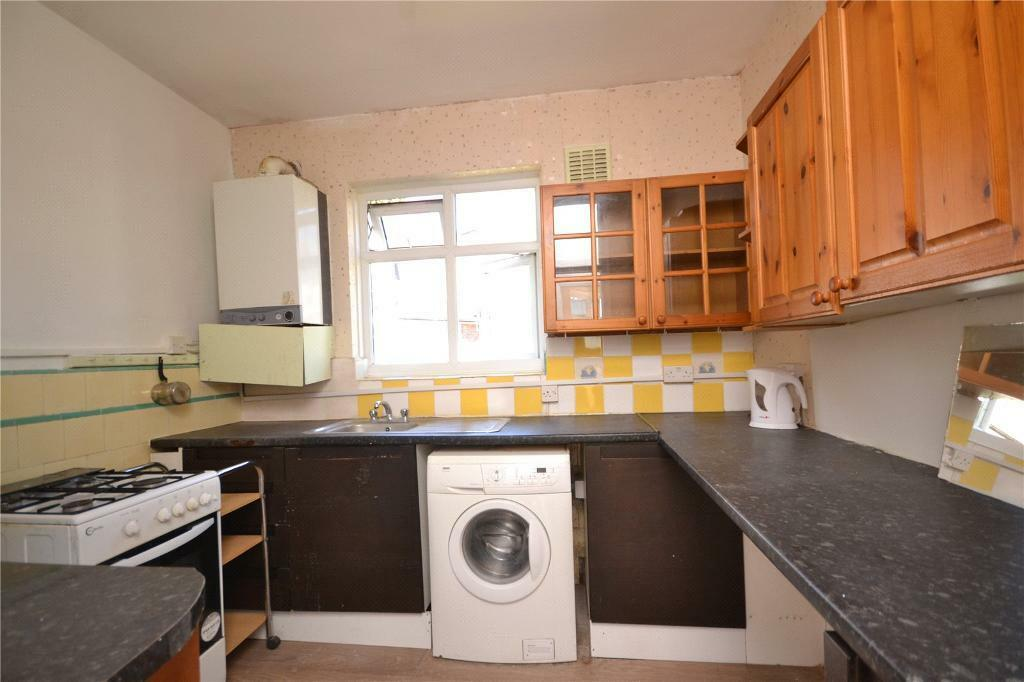 2 bedroom flat in Sherwood Hall, East End Road, East Finchley, N2