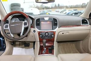2011 Chrysler 300 Limited *RARE COLOUR COMBINATION* London Ontario image 2