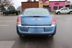 2011 Chrysler 300 Limited *RARE COLOUR COMBINATION* London Ontario image 12