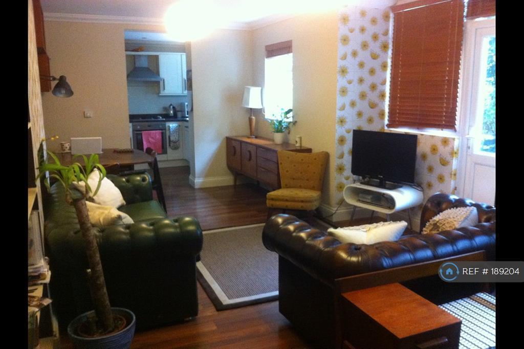 3 bedroom flat in Stanstead Road, London, SE23 (3 bed)