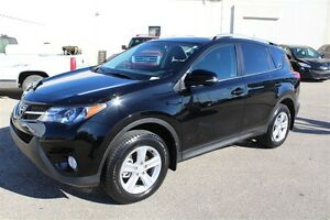 2013 Toyota RAV4 XLE AWD *MOONROOF* ONE OWNER *LIFETIME ENGINE W