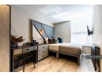 6 bedroom house in Cranborne Road, Liverpool, L15 (6 bed) (#1131556)