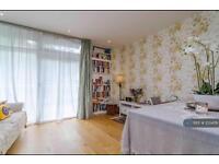 3 bedroom flat in Hepworth Court, London, SW1W (3 bed)