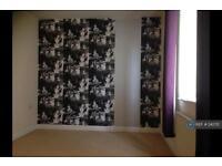 2 bedroom flat in Walker Road, Walsall, WS3 (2 bed)