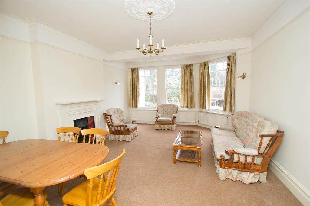 2 bedroom flat in Hornsey Lane Gardens, Highgate