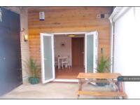 1 bedroom flat in Beach Road, Truro , TR4 (1 bed)