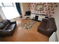 4 bedroom house in Wood Road, Treforest,