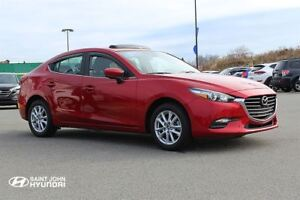 2017 Mazda MAZDA3 GS! Heated Seats! Sunroof! Back Up Cam!