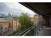 Two big and bright double rooms with balcony overlooking Limehouse canal view available NOW
