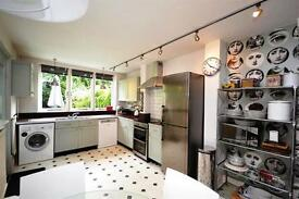 5 bedroom house in Lincoln Road, East Finchley, N2