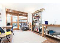 Studio flat in Ellingfort Road, London, E8 (#1124615)