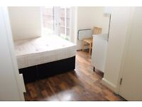 En-suite room available 08/09 for single person - close to tube and shops