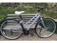 Bikes Ladies Apollo Haze (excellent condition)
