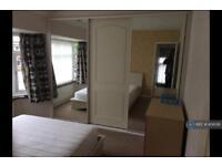 3 bedroom house in Butterstile Lane, Manchester , M25 (3 bed)