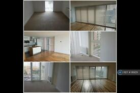 2 bedroom flat in Alaska Apartments, London, E16 (2 bed)