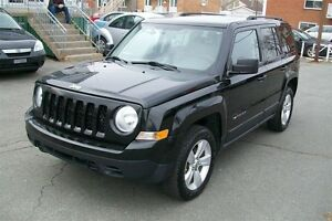 2011 Jeep Patriot NORTH  LATITUDE 4X4 Garantie 1 ans