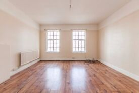 High Street: 3 bedroom flat for a RIDICULOUS price, you will not find better value for money !!!