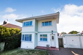 Three Bedroom 'Cliff House' stunning art deco house with sea views in Folkestone kent