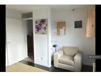 1 bedroom flat in Amina Way, London, SE16 (1 bed)