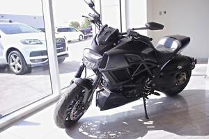 2015 Ducati Diavel 1200  SUPER CLEAN BIKE. NEVER DROPPED, ONE OW