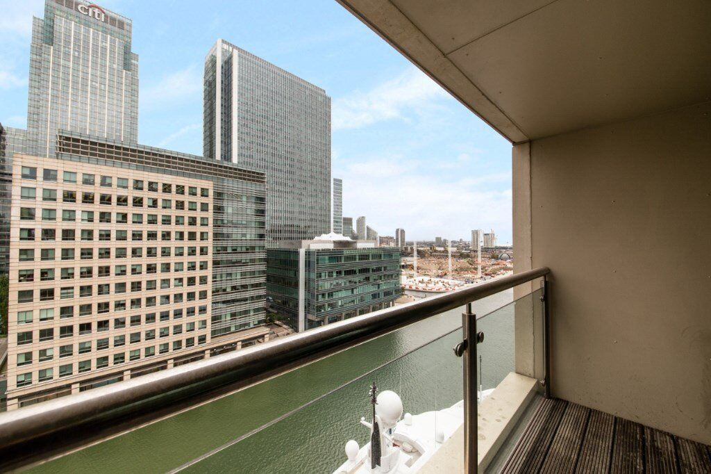 FURNISHED LUXURY 2 BED 2 BATH IN DISCOVERY DOCK APARTMENTS CANARY WHARF E14 BALCONY DOCK VIEWS