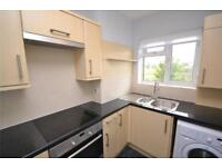 2 bedroom flat in Granville Place, High Road, North Finchley, N12