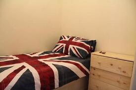 Nice single room Available in Kentish Town just 125 pw no fees 2 weeks deposit