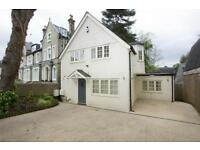 4 bedroom house in Hampstead Lane, Highgate