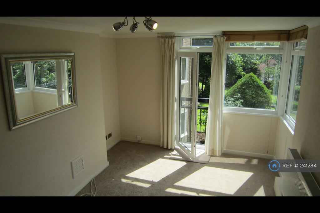 2 bedroom flat in Mansfield Heights, London, N2 (2 bed)