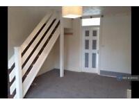 2 bedroom house in Wenlock Road, South Shields, NE34 (2 bed)