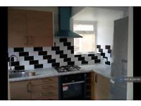 3 bedroom house in Meadfield Avenue, Langley, SL3 (3 bed)
