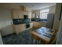 2 bedroom flat in Bowsden Terrace, South Gosforth, Newcastle Upon Tyne, NE3