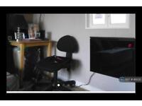 1 bedroom flat in Star Road, London, W14 (1 bed)