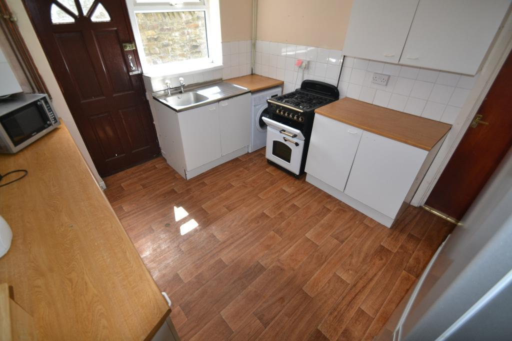 6 bedroom house in Llantwit Road , Treforest , Pontypridd
