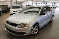 2013 Volkswagen Jetta TRENDLINE + 4D Sedan 2.0 at MAGS, AIR, VIT