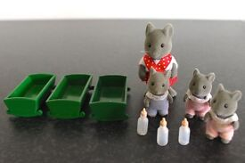 Sylvanian Families Vintage Mouse mum with adorable triplets, with cots and bottles.