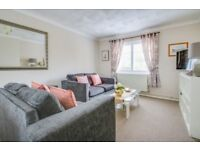 SHORT STAY 3 BED HOUSE AND LUXURY 2 BED APARTMENT AVAILABLE LOCATED NEAR SOUTHEND AIRPORT