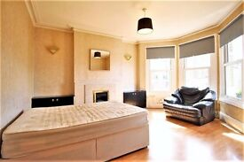 **^Fantastic Bright & Spacious Room to rent in Crouch End^**