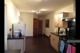 3 bedroom house in Doxey, Stafford, ST16 (3 bed)