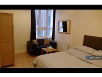 Studio flat in Cobourg Street, Manchester, M1 (#814155)
