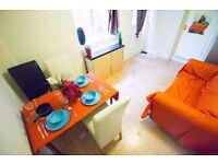 Double rooms, single en-suite rooms, garden, parking, free bills