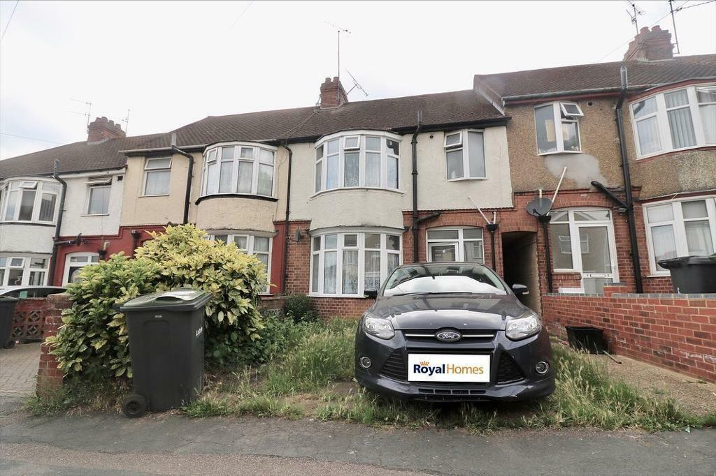 Superb 3 Bedroom House To Rent In Dunstable Close 1095 Pm In Luton Bedfordshire Gumtree Download Free Architecture Designs Lukepmadebymaigaardcom