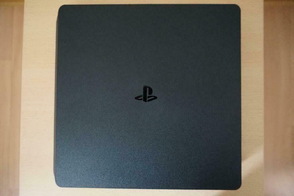 🎮 Refurbished PS4 Slim 1Tb memory with controller Playstation 🎮   in  Abbeyhill, Edinburgh   Gumtree