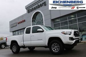 2016 Toyota Tacoma SR5 4x4 *ONE OWNER*