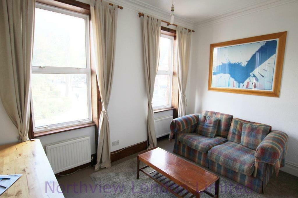 2 bedroom flat in Rokesly Avenue, Crouch End