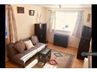 1 bedroom flat in Holborn Gardens, Leeds, LS6 (1 bed) (#886763)