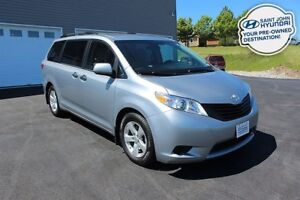 2016 Toyota Sienna 7 PASSENGER! BACK UP CAM! BLUETOOTH!